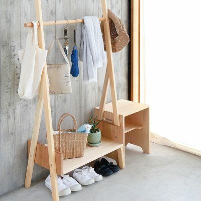 スタメン小物を玄関にまとめて忘れ物防止に<br>サクラハンガー / HOURIスツール