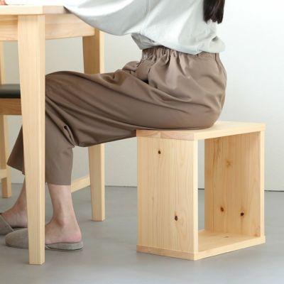 簡易的な椅子として使ってもOK<br>waku-s/サイズオーダーテーブル / Fチェア レザー
