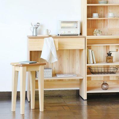台所仕事をひと休みする場所にぴったり<br>サクラスツール 60 / キッチンボード C60(cupboard)<br>キッチンカウンターB80