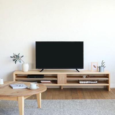 国産のくるみ材を使った家具を合わせたコーデ<br>テレビボード N180 / ラウンドテーブル 110 ロー(くるみ)