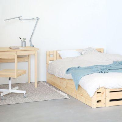 子ども部屋を兼ねた親子のベッドルームに<br>収納ベンチ スタンダード / ベッドM スタンダード<br>4本脚デスク M50 / Cチェア / デスクライト7x ao