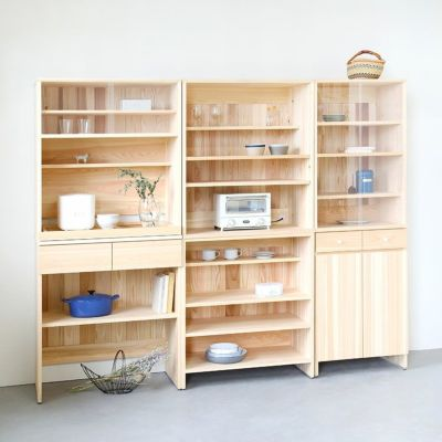 収納力抜群、3台並べて壁面収納<br>キッチンボード A60(cupboard)/ キッチンボード B80(utility)<br>キッチンボード C80 (shelf)
