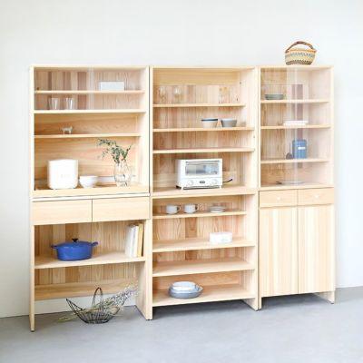 収納力抜群、3台並べて壁面収納<br>キッチンボード C80(shelf)<br>キッチンボード A60(cupboard)<br>キッチンボード B80(utility)