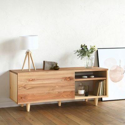 ディスプレイ棚としても存在感を放つ<br>テレビボード C120